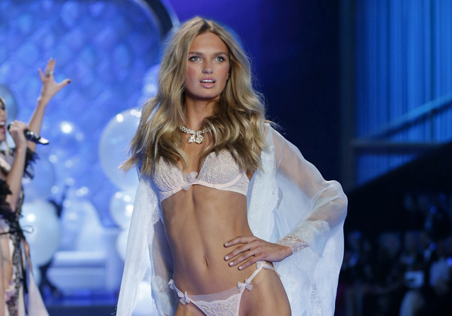 2015 VICTORIAS SECRET FASHION SHOW - new-vs-angels-2015-supermodel-romee-strijd-holland-victorias-secret-hi-res